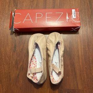 3/20 NWT Capezio daisy ballet slippers 3W